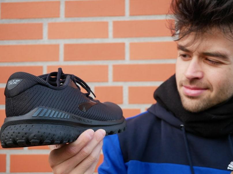 Die richtigen Laufschuhe für breite Füße Persönliche Tipps!